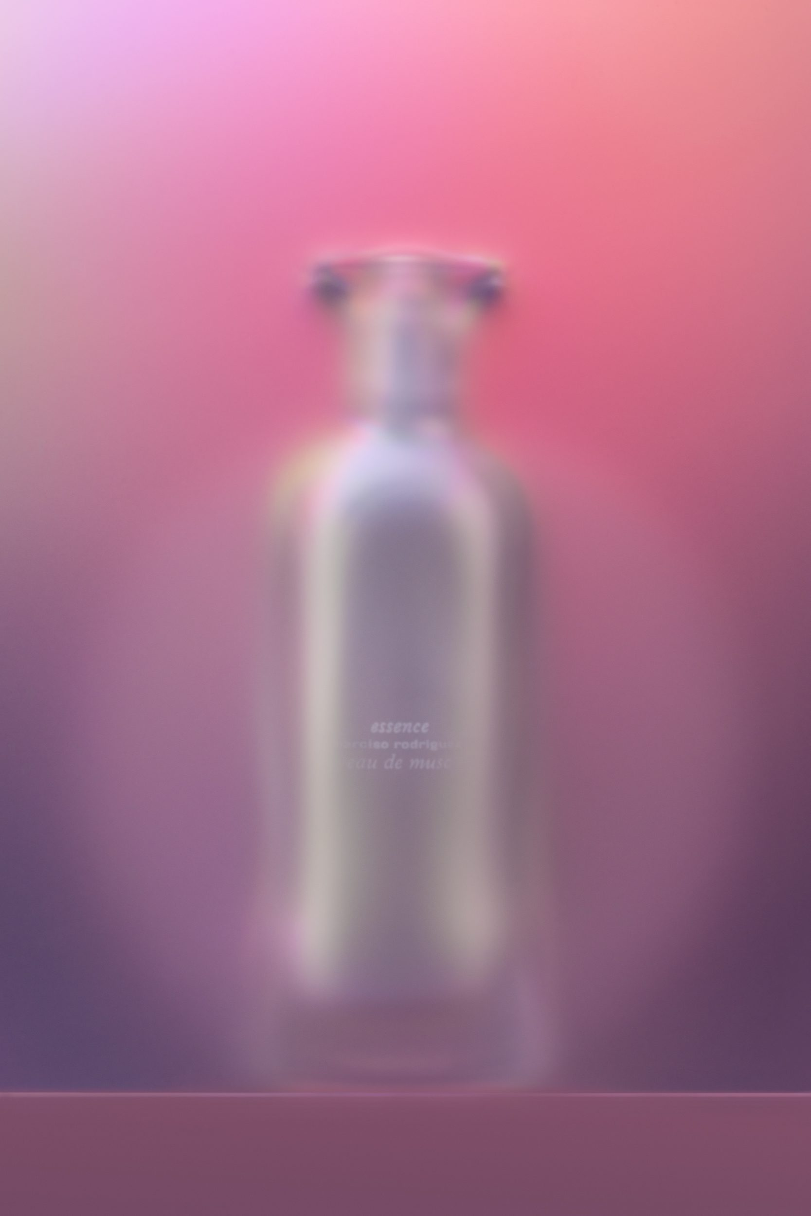 Narciso_Rodriguez-Essence-Eau-de-Musc-SH_01-02©Aivaras_Simonis